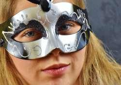 Láthatatlan maszkjaink – 13 kedvenc idézetünk az álarcokról