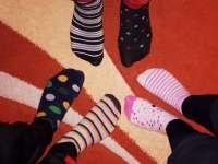 Felemás zoknis világnap