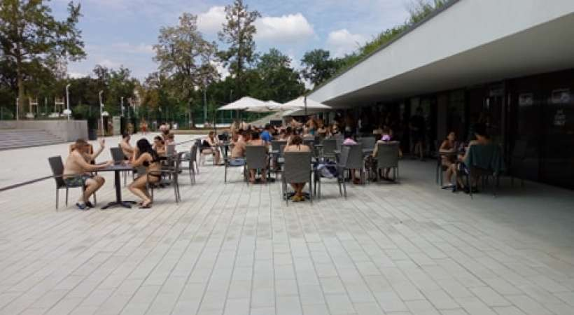 Debrecen új strandja, az Aquaticum - büfésor